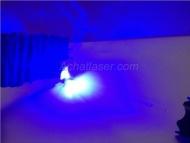 C'est laser bleu 10000mw a vendre est un excellent produit,il fonctionne très bien, lumière du pointeur très vive,très belle lampe de bonne qualité de fabrication.