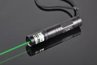 Этот зеленый лазер 1000 мВт чрезвычайно мощный лазер, ближе к световым, что лазерная ручка! Его шасси отличается от других наших моделей: кнопка присутствует на задней стороне рукоятки, которая позволяет непрерывный пучок без необходимости удерживать кнопку.Набор изготовлен из стали и источает большую силу. http://www.lasersru.com/ http://www.lasersru.com/kgl-122-1000mw-laserpointer-green.html