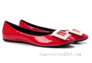 Product Details:Roger Vivier Gommette Patent Leather Ballerinas Flats Red  * Red patent leather ballets shoes * Tonal signature buckle detail on top * Detailed heel * Square cap * Flat heel * Leather rubber upper * Leather in-sole and sole http://www.rogervivier2015.com/