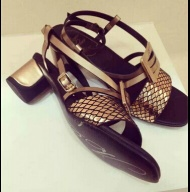 Roger Vivier Sandals Black 45mm High Heel Gold S6Fi8N Model: Roger Vivier b1Q3B1 Roger Vivier, shoes specialized in stiletto heel shoes, is well-known as French fashion designer shoes brand.  http://www.rogervivier2015.com/