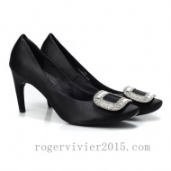Product Details:Roger Vivier Anti-Snake Leather Pump Dark Blue * Navy Anti-snake leather pumps * Navy toned signature buckle.  * Slightly bended heel.  * Leather/rubber upper.  * Leather in-sole and sole. * Measurements :heel : 80mm http://www.rogervivier2015.com/
