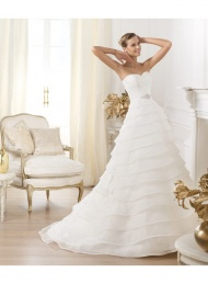 A-line Sweetheart Organza Sweep Train wedding Dresses