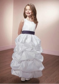 A Line Scoop Knee Length Satin White Perfect Flower Girl Dress